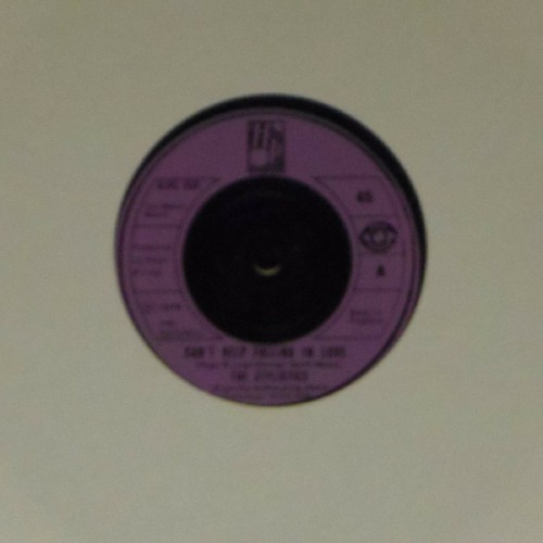 "The Stylistics<br>Can't Help Falling In Love<br>7"" single"