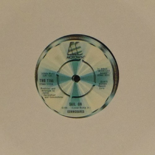 "Commodores<br>Sail On<br>7"" single"